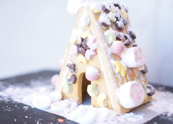 クリスマスお菓子の家を作ろうイベント